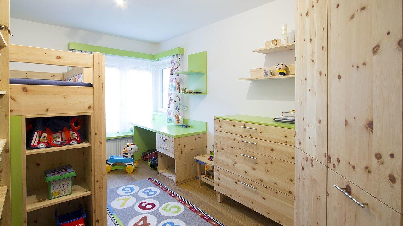 HolzregalBücherregal Kinderzimmer in 81679 München für