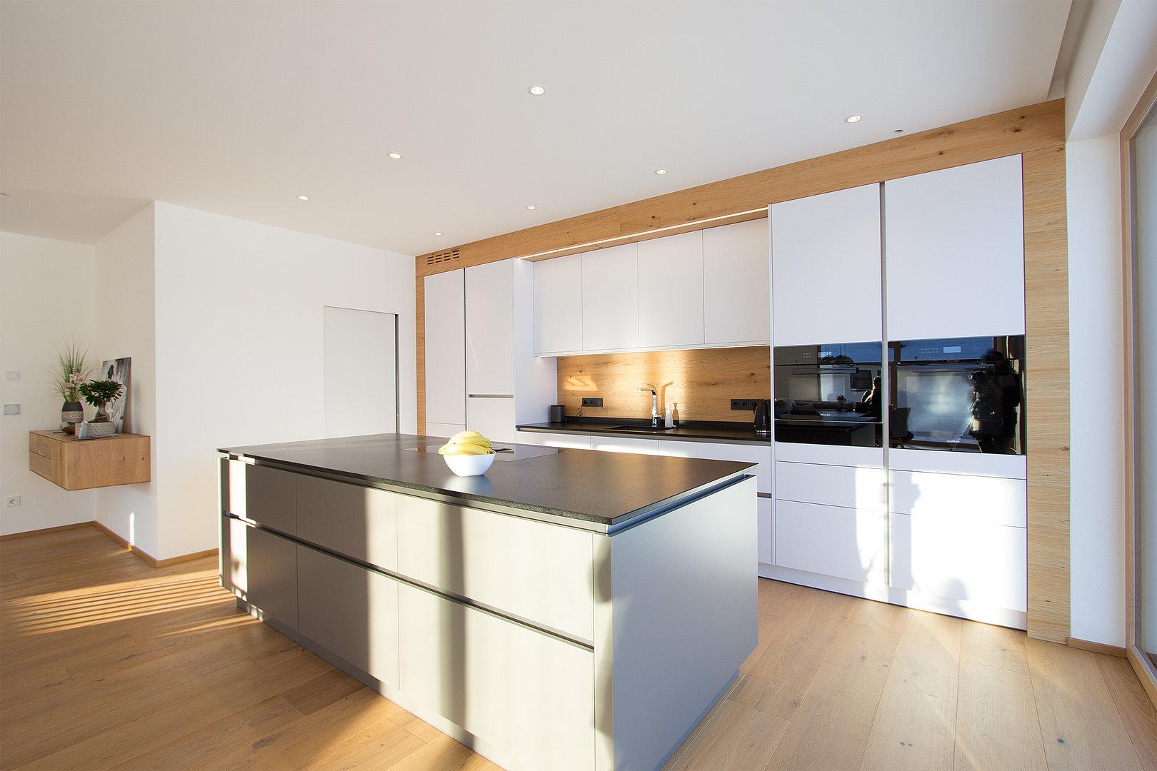 Moderne Küche in Abtenau  Küchenstudio Laserer